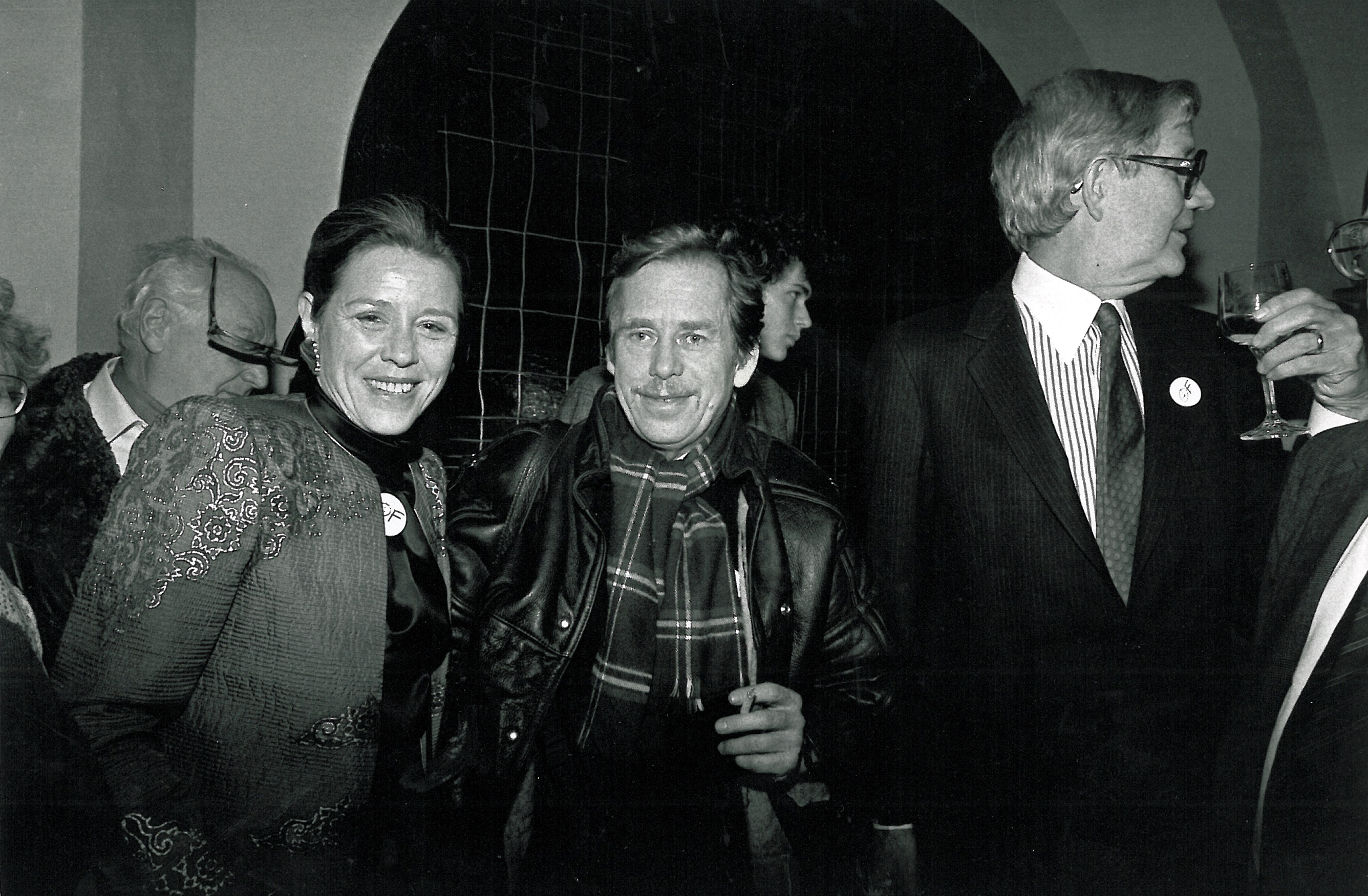 Vaclav Havel with William and Wendy Luers, Restaurant U sedmi andelu, Prague, December 1989