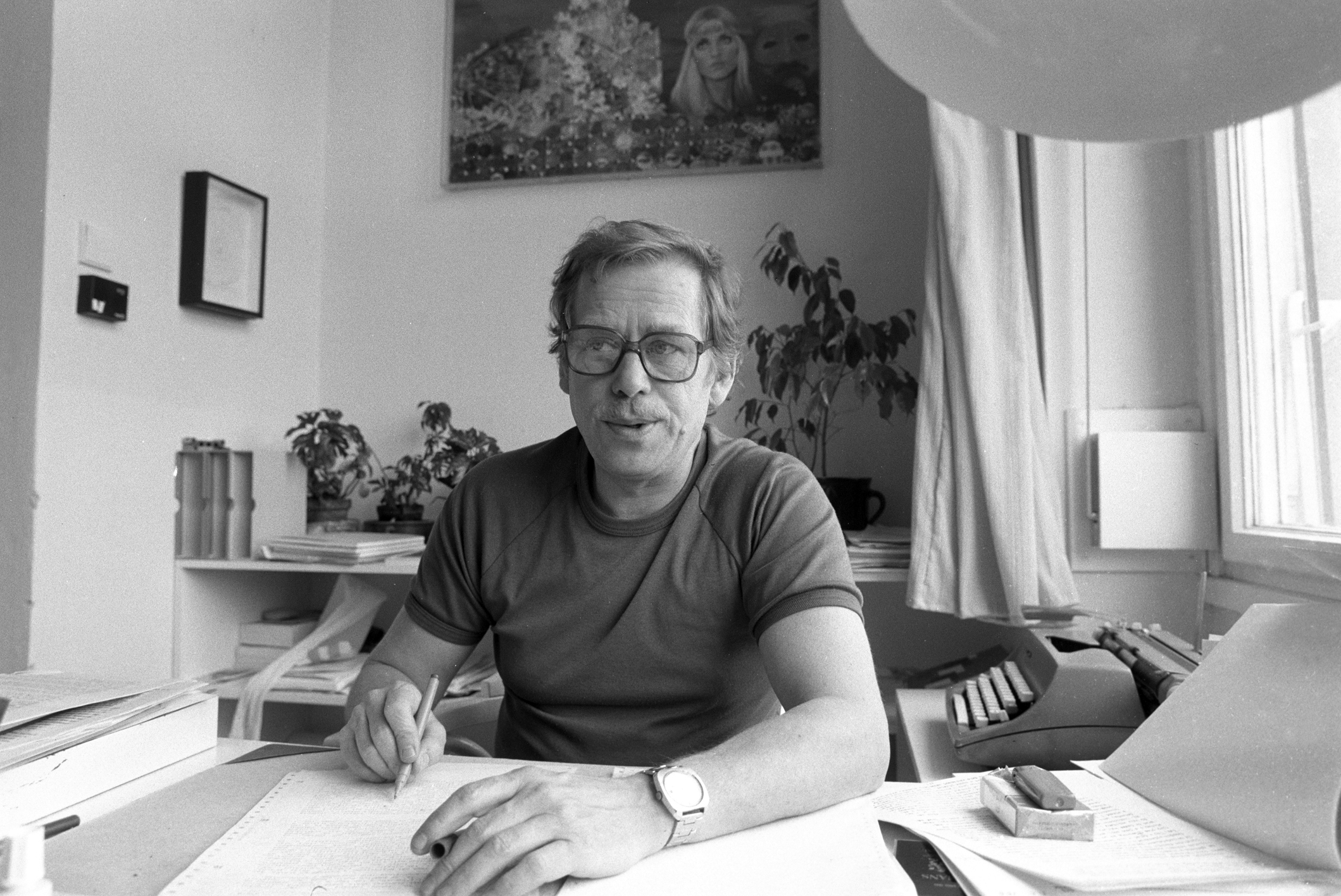 How the Communists wished Havel Happy Birthday and elected him President of Czechoslovakia
